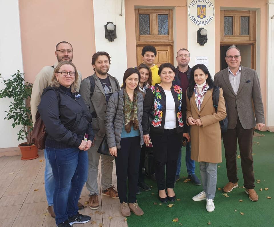 Санду иНэстасе приняли участие ввыборах президента Румынии