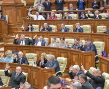 Legea privind indexarea de două ori pe an a pensiilor a fost votată în lectură finală