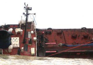 Содержание нефтепродуктов вводе уОдессы превышено в53раза. Там потерпел бедствие танкер под флагом Молдовы