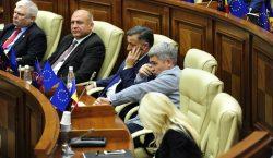 «Мы не специально». Парламент непродлил мораторий напрограмму предоставления гражданства через…