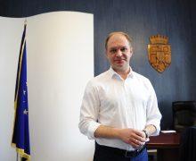 Чебан сдал мандат депутата и поблагодарил коллег из правительства