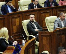 Депутат Литвиненко ушел в отставку с поста главы парламентской юридической комиссии