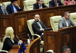 «Пусть правит с теми, с кем свергал правительство». Литвиненко ответил Додону по поводу новой коалиции ACUM-ПСРМ