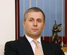«Нетерплю расизм». Владислав Грибинча извинился перед экс-послом США занеудачную шутку