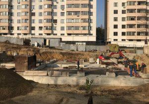 Мэрия Кишинева приостановила строительство жилого дома на Буюканах. Застройщик уверяет, что все законно