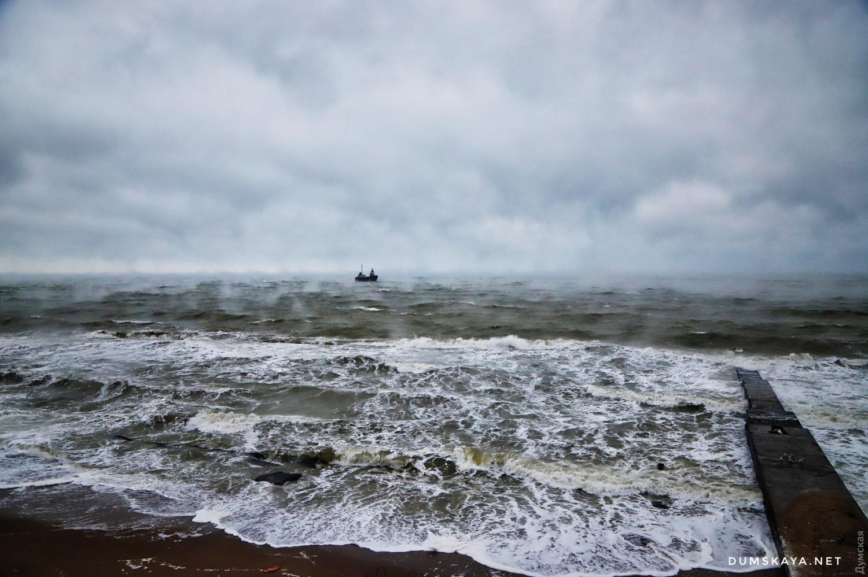 ВОдессе терпит бедствие танкер под флагом Молдовы (ОБНОВЛЕНО)