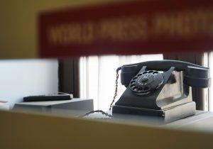В Молдове скандал с массовой прослушкой телефонов. Как узнать, слушают ли вас?