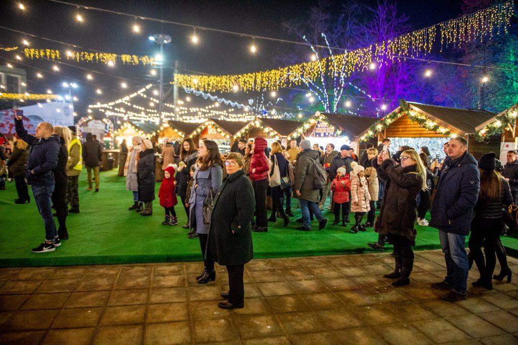 ВКишиневе открылась рождественская ярмарка. Как она выглядит вэтом году