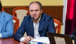 Петербург поможет Кишиневу справиться снеприятным запахом. Очем еще Чебан договорился…