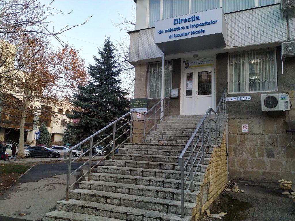 Входа нет? Как Кишинев и его здания (не) приспособлены для людей с ограниченными возможностями