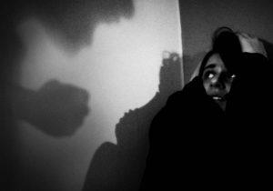 «Смотрела на него ночью и думала об одном: пожалуйста, не дыши». Как в Приднестровье (не) борются с домашним насилием