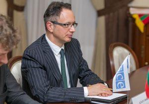 """""""Îmi exprim îngrijorarea cu privire la evoluțiile recente"""". Șeful Misiunii OSCE a reacționat la decizia Tiraspolului privind tranzitul mașinilor moldovenești"""