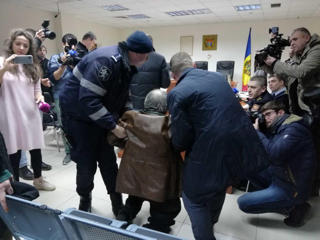 «Янехочу быть мистером прецедентом». Как АПКишинева оставила Филата насвободе. Репортаж NM