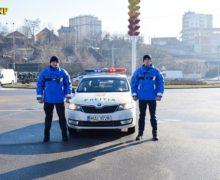 ВКишиневе подросток без спроса взял машину родителей ипопал вДТП
