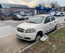 ВКишиневе начали эвакуировать брошенные автомобили. Как владельцы смогут их вернуть