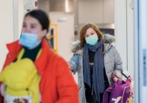 Правительство ограничило торговую наценку на медицинские маски