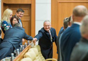 #Dodonline. Как президент общается с Молдовой через соцсети