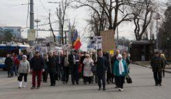Протест против Додона дошел доРоссийского посольства вМолдове. Участники требовали ухода…