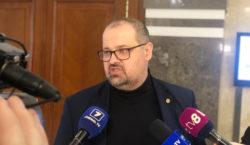 Половина зарубежных телеканалов в Молдове могут исчезнуть. Что не так…