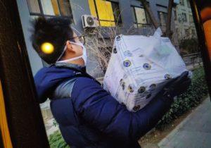Жители Молдовы отправили в Китай больше двух тысяч одноразовых масок. Грозит ли коронавирус Молдове?