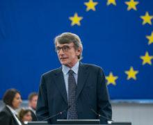 Председатель Европарламента решил провести две недели на карантине после поездки в Италию