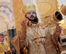 «Ради пастырской заботы олюдях». Патриарх Кирилл призвал священников недавать целовать руки