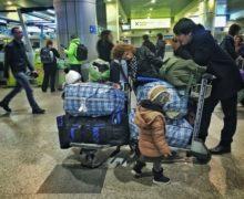 Încă nu sunt toți acasă. Ar putea suplimentele la salarii să readucă migranții în Moldova? Studiu NM