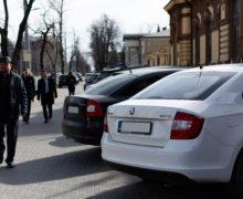 Сначала года вМолдову ввезли 1,5тыс. автомобилей. Сколько изних старше десяти лет?
