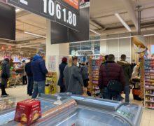 Ритейлеры пригрозили ростом цен. Что не так с повышением местных налогов для супермаркетов в Кишиневе