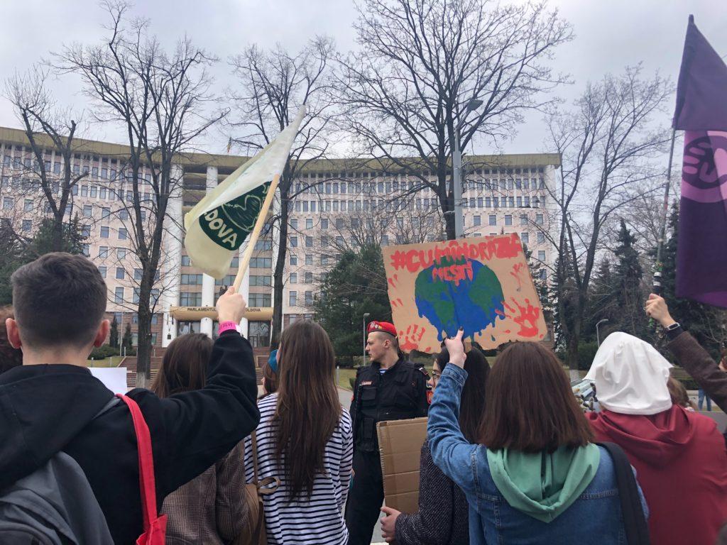 марш, феминисты, 8 марта
