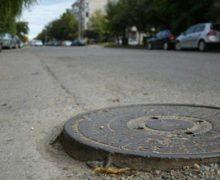 В Кишиневе муниципальные предприятия обязали отремонтировать люки