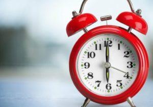La noapte vom dormi mai puțin. Republica Moldova va trece la ora de vară
