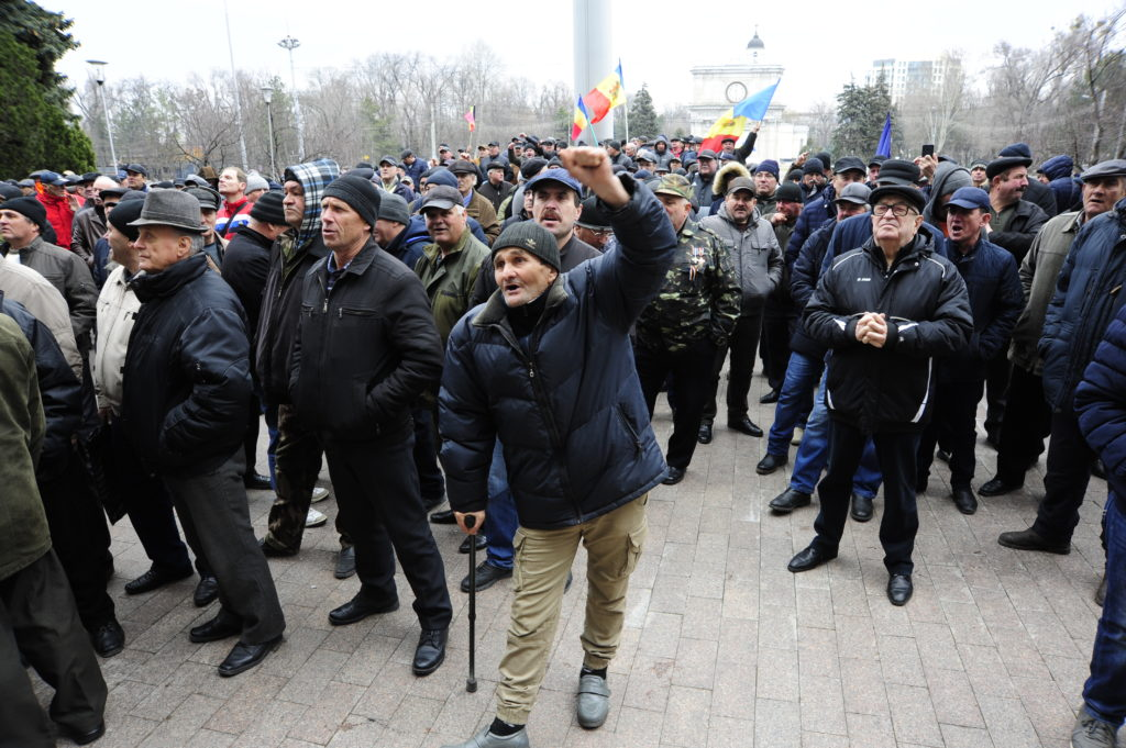 protest la guvern