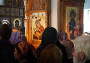 В Молдове более сотни церквей провели службы с участием прихожан. Их всех оштрафуют