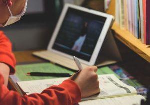 Ion Ceban: Platforma educațieonline.md cuprinde deja 831 de lecții video. Alți doi operatori vor difuza materialele
