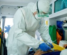 Число зараженных коронавирусом медработников достигло 415. Эточетверть всех заразившихся вМолдове