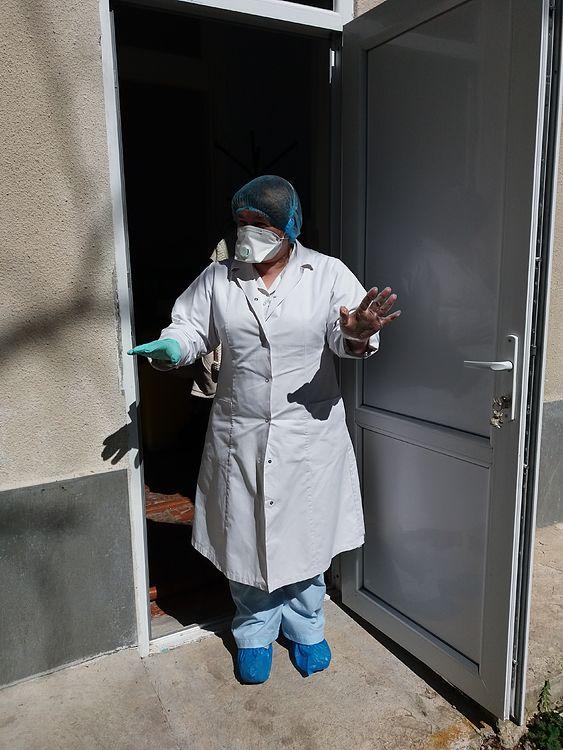 «Чистые входы» и «грязные выходы». В Единецкой больнице NM показали, как обустроили зоны COVID