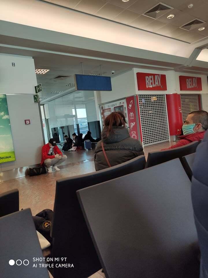 Около 200 молдаван заблокированы в аэропорту Праги. Молдова не принимает их чартер