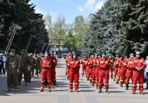 NM Espresso: о возобновлении в Молдове работы всех госучреждений, «десанте» румынских врачей и скандале вокруг «слежки» за судьями КС