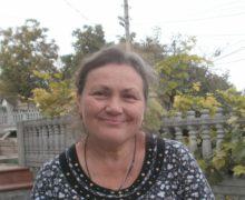 """""""E ca într-un reactor nuclear"""". O profesoară de la Drochia, despre lecțiile online și povara dublă asupra pedagogilor"""