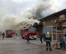 В Кишиневе спасатели рассматривают две версии пожара наMoldexpo