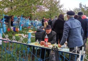 Fără mâncare și băutură de Blajini, în cimitirele din capitală. Transportul public va fi sistat