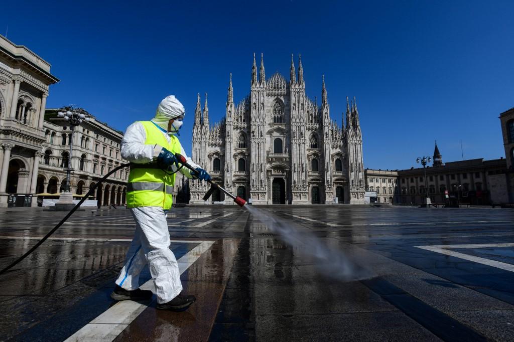Жители Италии начали выходить изкарантина (ФОТО)