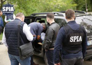 ВКишиневе полицейского задержали поподозрению вкоррупции (ВИДЕО)