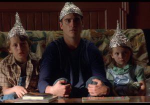 Locuitorii Moldovei vor fi iradiați prin antenele 5G? Și toți vor fi cipați? Teoriile conspirației – investigație NM