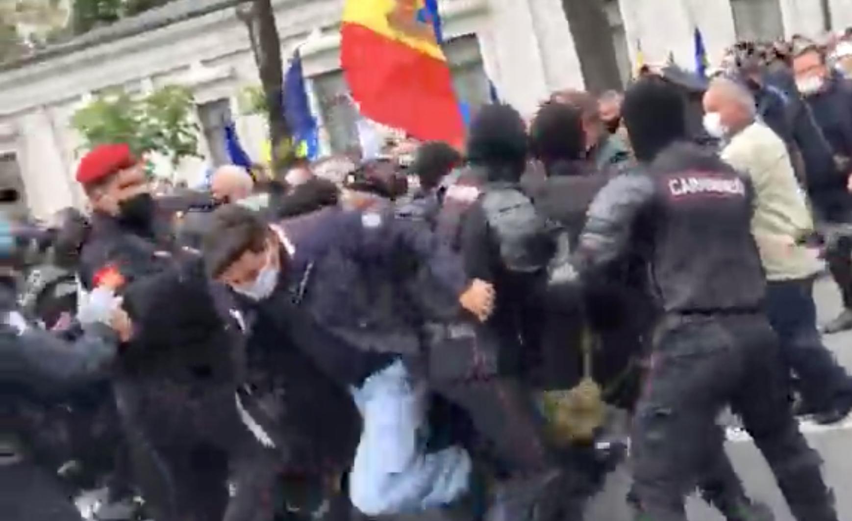 LIVE Veteranii de război protestează în centrul capitalei