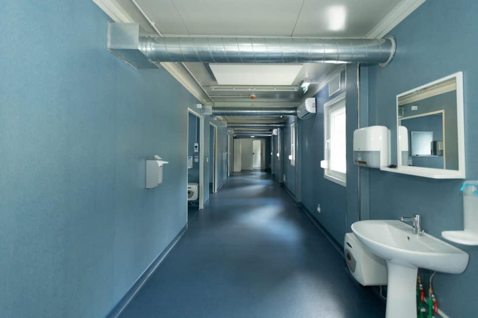 FOTO În România a fost construit un spital nou în numai două luni, din donații. Vor fi internați bolnavii cu forme grave de COVID-19
