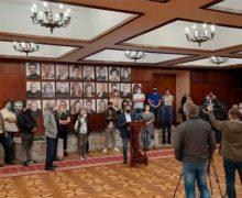 Директора театра Чехова Константина Харета временно отстранили от должности. Что говорят в театре?