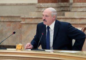 «Мы раздумывать не будем». Лукашенко допускает размещение российских войск натерритории Беларуси?