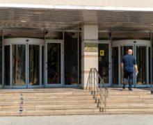 Адвокат за свой счет. Сотрудников Нацбанка обязали оплачивать защиту в суде из собственного кармана